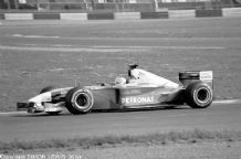 Sauber 2001 Raikkonen at speed Silverstone test